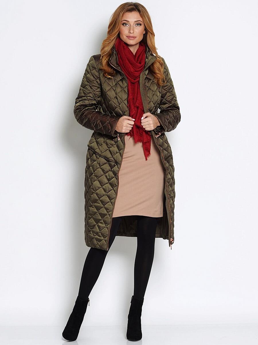 f6cd3877219 Продуктът е много удобен за носене, моделът има два дълбоко отрязани джоба  и малка стойка за яка. Цветовете на дрехите за студения сезон са  традиционни: ...
