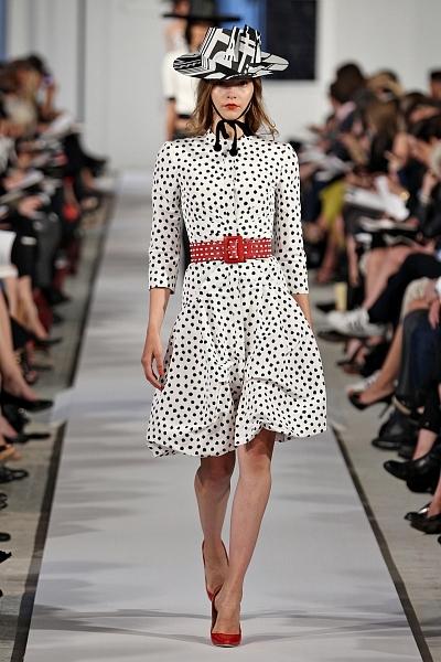 49e0e86ed09d Šaty sú čierne s priehľadnými bodkami. Letné šaty Polka Dot
