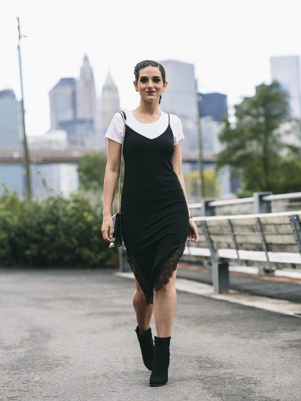 4677569b4245 Večerné šaty s čipkou prvky. Šaty čipky  zvodná luxus a elegancia